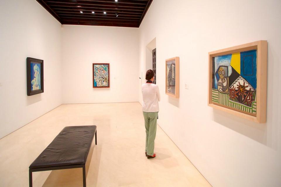 http://www.debambu.es/wp-content/uploads/2016/05/Picasso-Museum-Malaga-57235.jpg